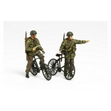 1/35 British Paratroopers with Bicycles