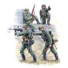 Zvezda 3582 German panzergrenadiers