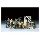 1/48 German Luftwaffe Crew (Winter) with Kettenkraftrad