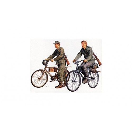1/35 German Soldiers with Bicycles